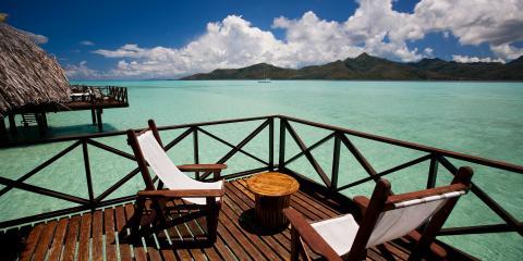 Tahiti hotel and deck
