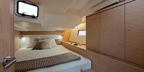 The Moorings 52.4 Bedroom