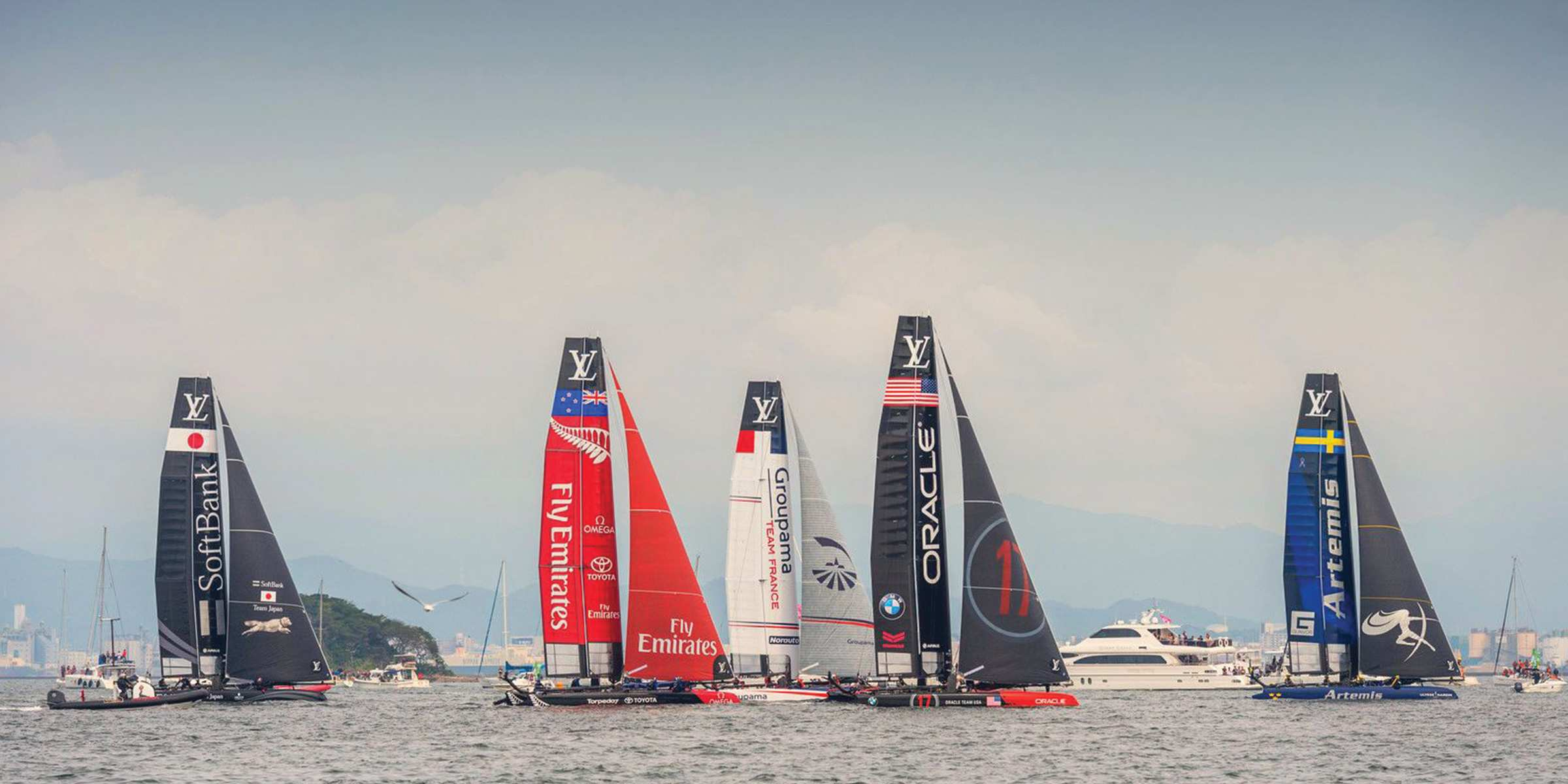 us_tm_3446_1018_blog-update-to-timeline-page-to-match-blog-format-americascup.jpg